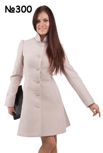 Современное модное женское осеннее пальто в магазинах спб