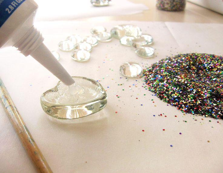 Microwave Girl: DIY Glitter Magnets