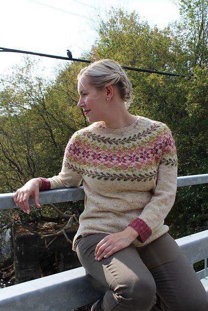 Пуловер с круглой кокеткой с описанием