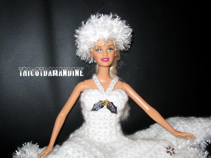 """toque pour barbie """"reine des glaces"""" tuto : http://tricotdamandine.over-blog.com/2014/11/une-barbie-pour-mon-marche.html"""