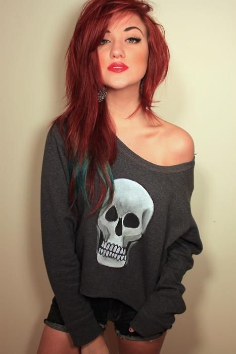 LOVE the hair... I rele wish i could do this. I could... But it would fry my hair and fade and be way too expensive...