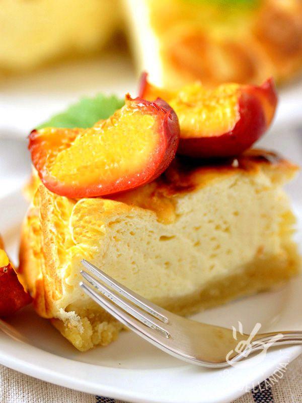 Cheesecake di ricotta e pesche: un dessert davvero gustoso, fresco e delicato, per viziare il palato senza appesantirsi e chiudere un pranzo in bellezza!