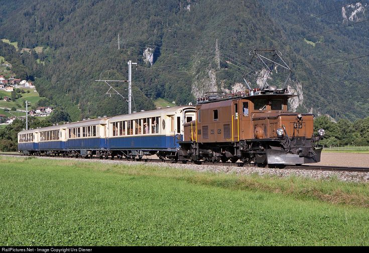 The 1929 built Ge 6/6 I 415 is pulling the Rhätia Pullman Express from Landquart via Davos to St. Moritz.