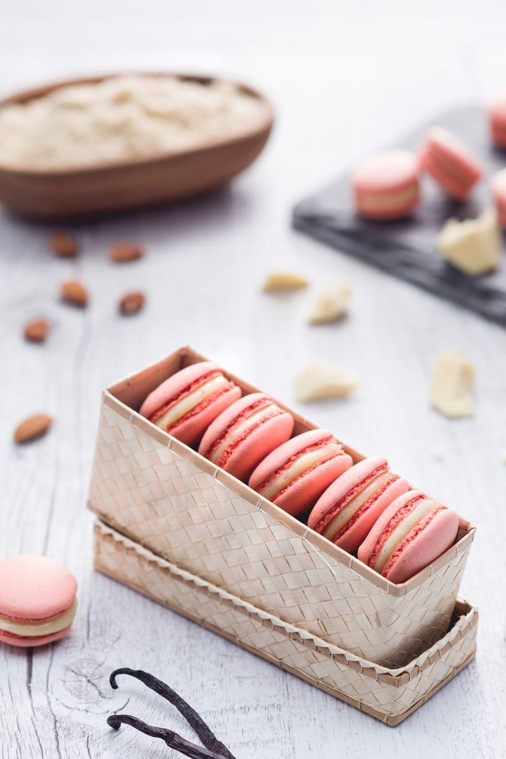 Macarons: dalla Francia arrivano questi deliziosi e raffinati pasticcini. Bon appétit!
