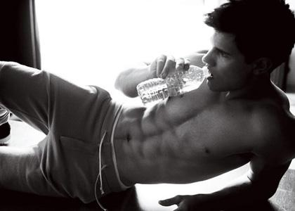 53 best yummy boys images on pinterest guys hunks men and taylor lautner can even be sexy drinking a water bottle sciox Gallery