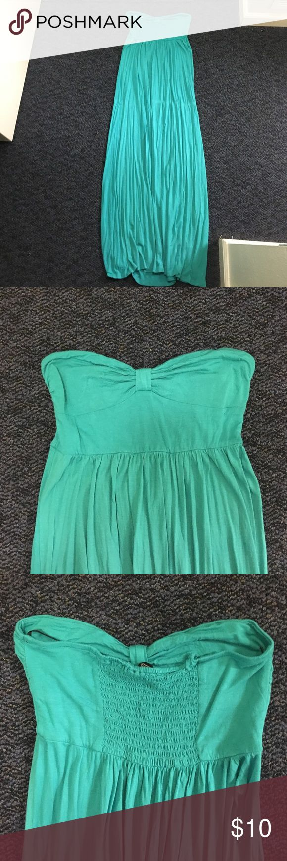Long turquoise maxi dress Long maxi dress that has been worn 2 times. Great for the up coming spring and summer weather! 😊 Forever 21 Dresses Maxi