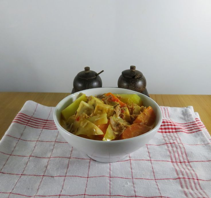 #vegan One-Pot Meals: Tofu Gemüse mit Sambal Oelek Gewürzmischung Gemüse Hauptgerichte Pochieren Tofu und Tempeh Vegan Food #asianfood #asiatisch #exotisch #indonesian #abnehmen #cleanfood #onepot #diät