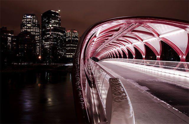 peace bridge, Calgary - 30 of the most fabulous and unique bridges of the world