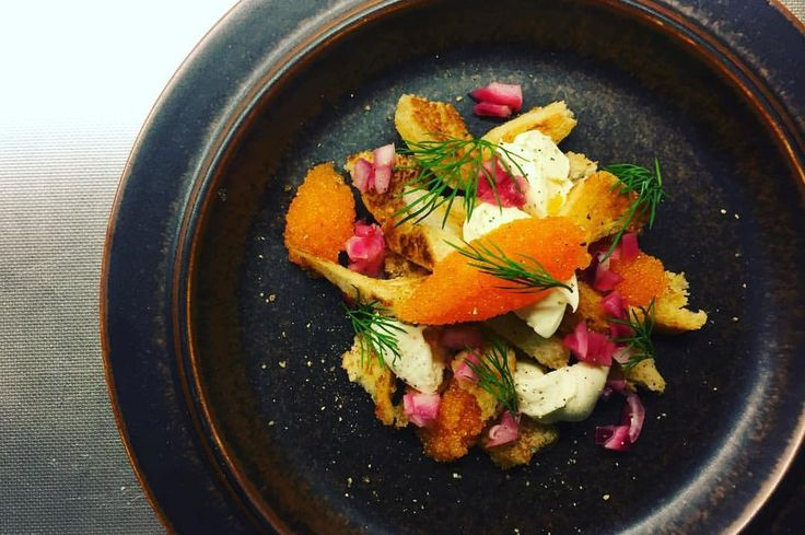 Kalix bleak roe, dill and pickled red onions