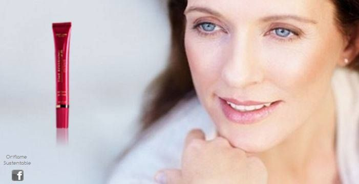 PARA MUJERES EN PERIODO DE POSTMENOPAUSIA +55 PIEL MADURA Y SECA  Combate todos los signos de envejecimiento alrededor de los ojos en el periodo de postmenopausia. Con genisteina de soya y complejo amino+, para rellenar las arrugas y restaurar la densidad de esta delicada piel.