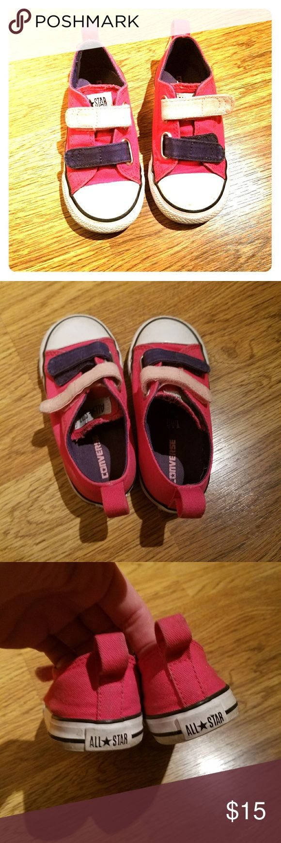 Converse tennis shoes size 8 in toddlers girl Converse tennis shoes size 8 in toddler's sizes for girls.   Gently used in good condition.  Velcro straps Converse Shoes