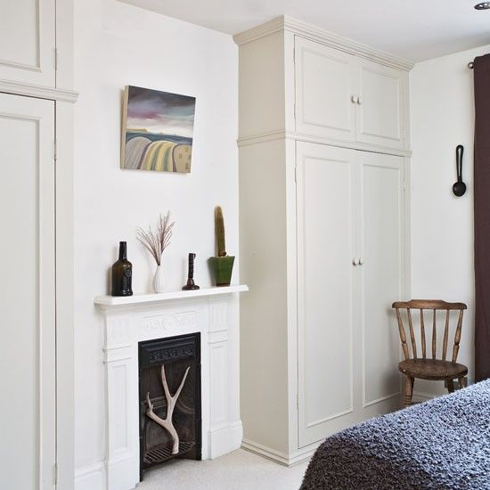 A neutral guest room with classic wardrobes | Room Idea | PHOTO GALLERY | Ideal Home | Housetohome.co.uk
