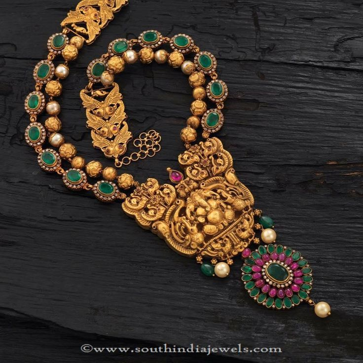 Gold Antique Emerald Necklace Designs, Antique Temple Necklace with Emeralds.