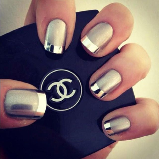Metallic & matte nails: