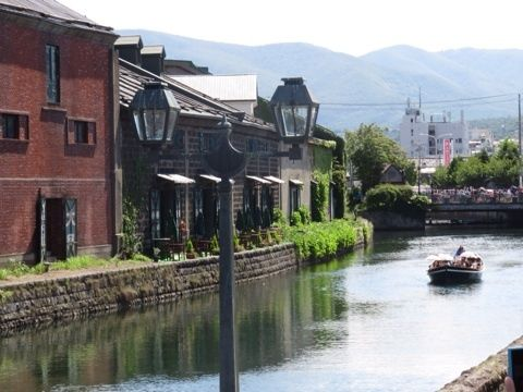 ブログ更新しました。『小樽旅行写真 ~ 3日目 三角市場 - 小樽運河 - かま栄 かまぼこ工場見学』 http://amba.to/VUcKdp