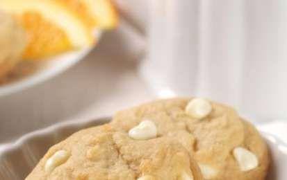 Cookies al cioccolato bianco - Ecco per voi la ricetta originale per preparare i Cookies al cioccolato bianco, provate anche voi questi buonissimi biscotti che fanno parte della cucina americana.