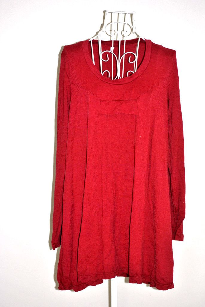 Vigorella Wool Trapeze Tunic in Ruby