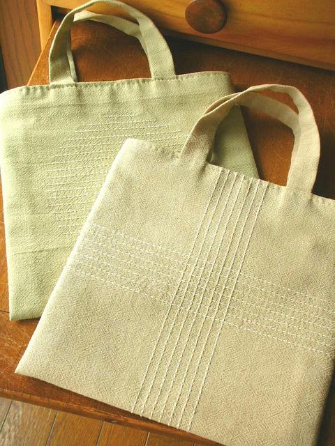 Sashiko tote bags by aya*studio, via Flickr