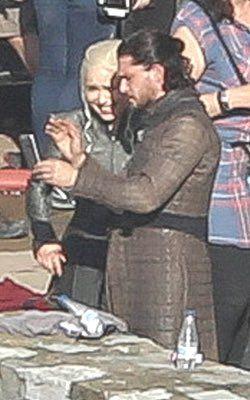 Emilia Clarke and Kit Harington on Set of Season 7! #GameofThrones #GoTSeason7