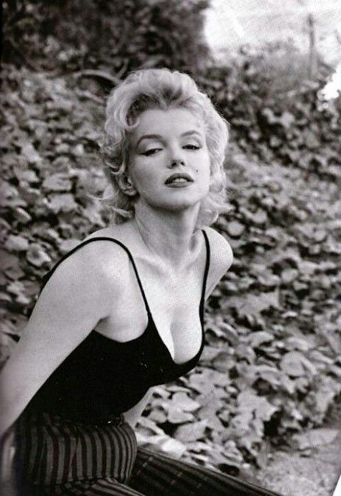Marilyn Monroe By Gordon Parks - wow I did not know that he photographed her! I am amazed with his work