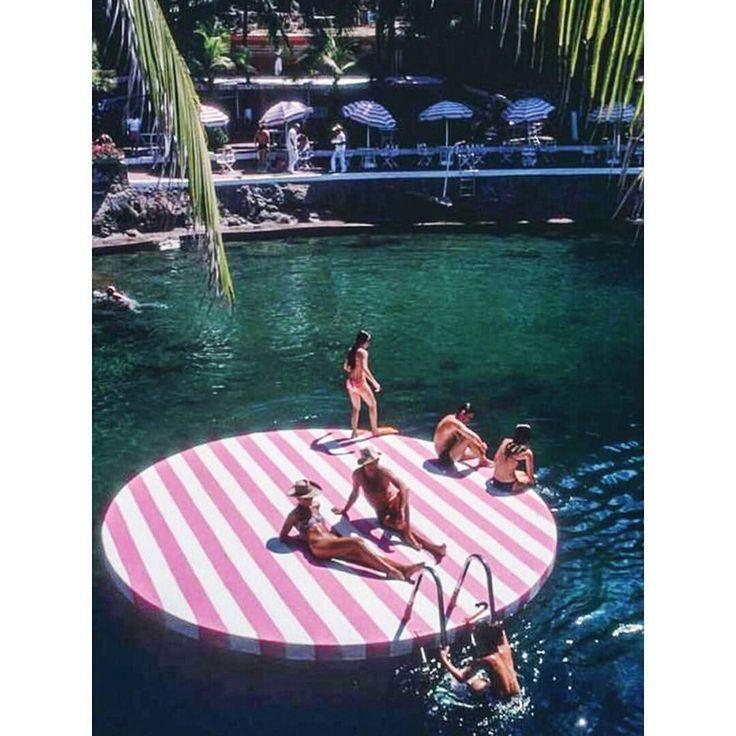 "La Concha Beach Club', 1975, Acapulco, Mexico, Slim Aarons."" Travel, lifes…"