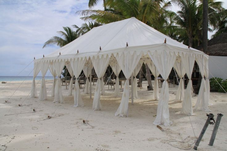 A Hava mahal tent is the Palace of the Winds