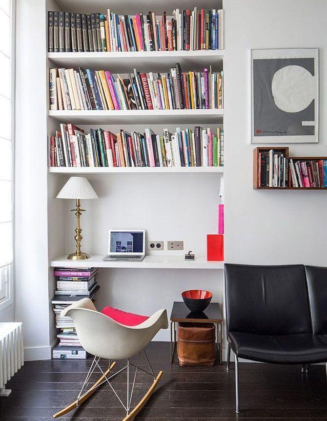 Nos Idees Pour Une Petite Bibliotheque Pratique Et Deco Elle Decoration Bibliotheque Avec Bureau Integre Etagere Murale Chambre Petite Bibliotheque