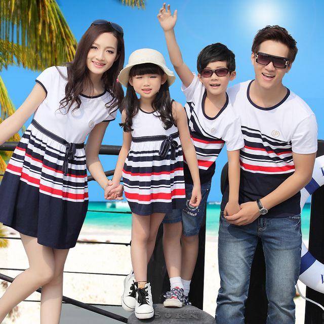 Moda yaz tarzı aile giyim grubu elbise anne ve kızı t- shirt baba erkek şerit aile Eşleştirme kıyafetler