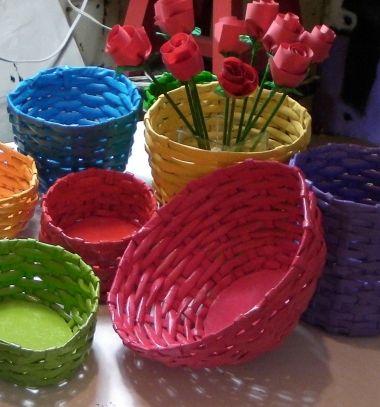 Little easter baskets from newspaper - paper weaving // Kosárfonás újságpapírból ( papírfonás lépésről lépésre ) // Mindy - craft tutorial collection