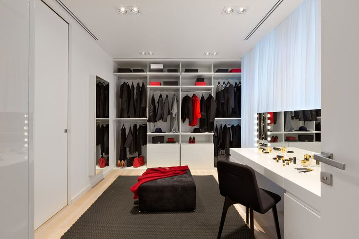 The best storage solutions should be most invisible and functional so that you could maintain order at home and save that precious space.   Scroll down and see how much creative people can get when it comes to putting masses of things in order.