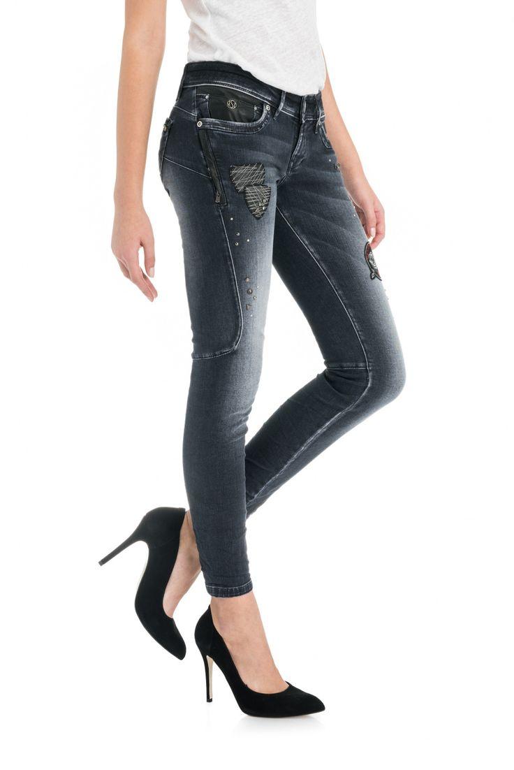 Salsa® | Jeans, Roupa e Acessórios para Mulher & Homem