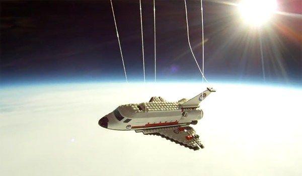 Ônibus Espacial Lego vai ao espaço | Sembit