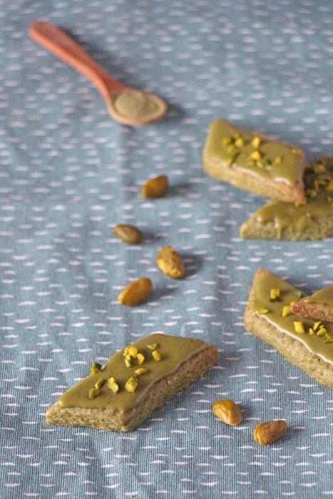 Matcha-Rauten - grüne Weihnachtsplätzchen mit Matcha Tee
