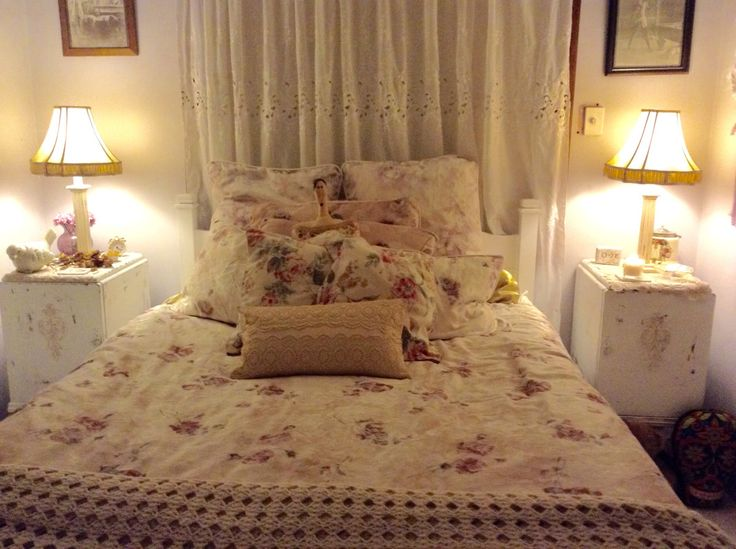 10 THRIFT SHOP buys will make a SHABBY CHIC Bedroom