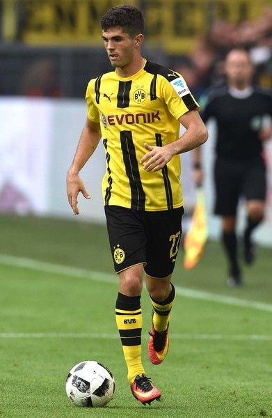 Dortmund's US midfielder Christian Pulisic controls the ball during the German…