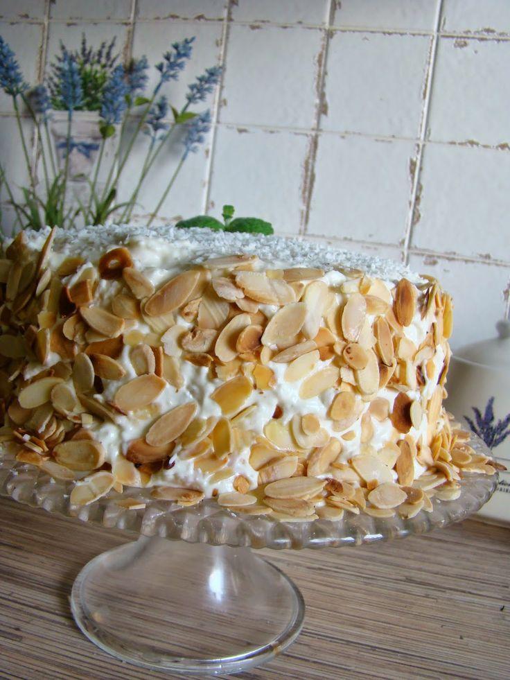 Pyszny, lekki, delikatny tort kokosowy! Po przepis zapraszam an bloga!