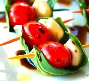 Caprese Salad Skewers... this bite-sized version of the caprese salad is a very simple and healthy appetizer.