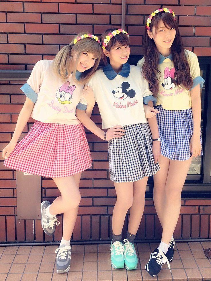 ギンガムチェックのスカートがキュート♡ ディズニーのお揃いかわいいファッション スタイル 参考コーデ♪