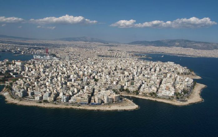 Greek Tourism Professionals Urge Fewer Words, More Action Over Oil Spill.