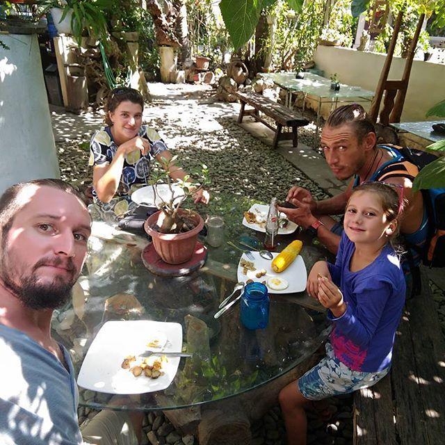 "Vegaterian lunch in the Warung 9. Unterest place for good people. / веганский обед в варунге ""9"". Прикольное место для хороших людей. Отдыхаем и в путь!  #1w_2w #froggoaround #travel  #adventure #travelfamily #aroundtheworld #warung9 #ubud #bytheroad #weekend #russiantravel #russian #ilovemyfamily #Indonesia #lunch #vegan #food"