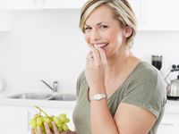 Skip processed snacks, grab some grapes! Check out why Libby supports Aussie Table Grapes here at Ninemsn - http://food.ninemsn.com.au/healthyrecipes/newsandfeatures/8306681/skip-processed-snacks-grab-some-grapes-instead