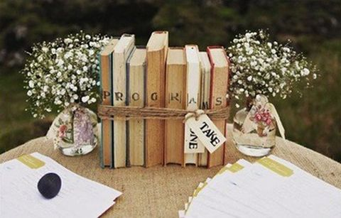bijoux-bride-its-all-in-the-details-wedding-styling-shabby-chic-books-babys-breath