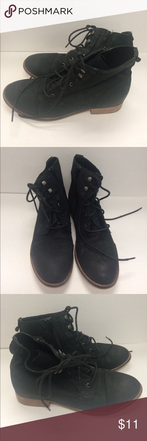 Women's Steve Madden Gobbin black boots Black leather. Lace up. Zipper. Pre-owned. Super comfortable a lot of life left Steve Madden Shoes Ankle Boots & Booties