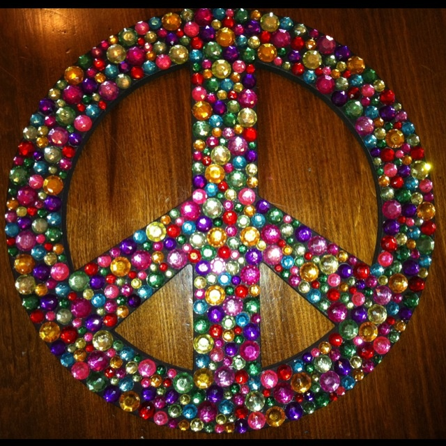 Bling'd Peace Sign. need this for my room!