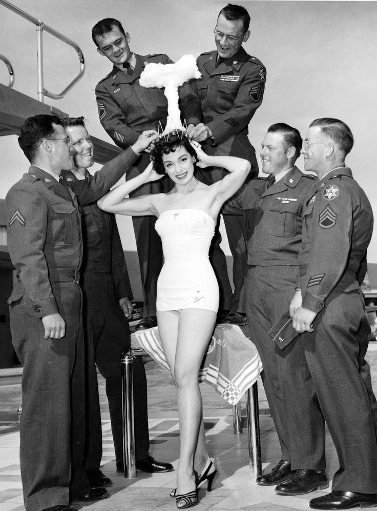 Linda Lawson - Miss Cue ( Nom d'un essai nucléaire ) 1955