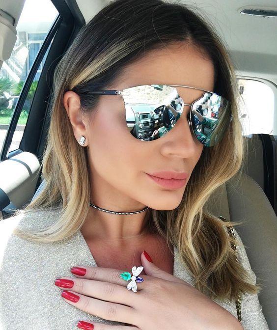4aec6b212 Óculos espelhados são lindos! Óculos de sol com lentes espelhados são  cheios de estilo, fazem o maio sucesso e combina com tudo! Destaque-se!