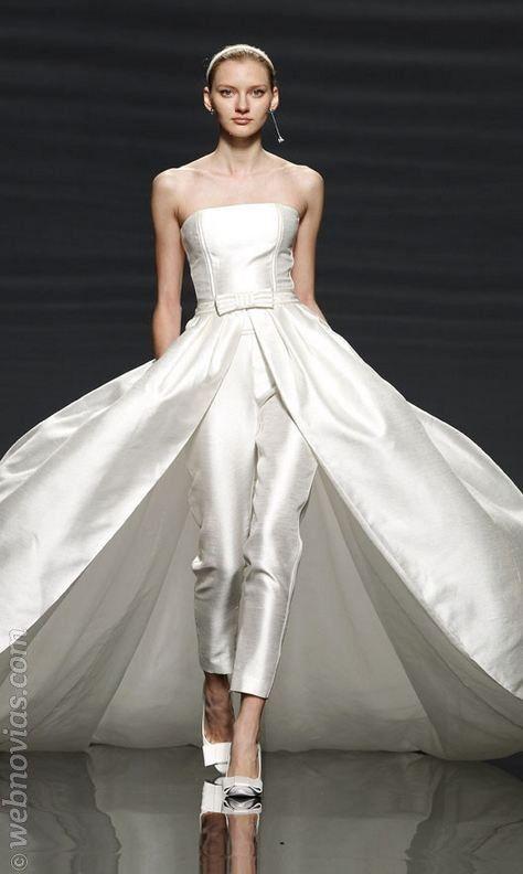 Traje de novia de pantalón de Rosa Clará 2014