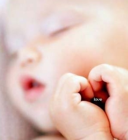 Adorable newborn shot.