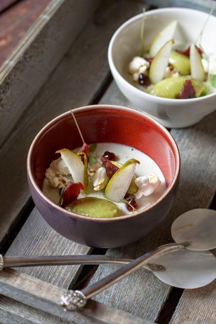 Hartige panna cotta van Roquefort, Luikse siroop, avocado en chili popcorn