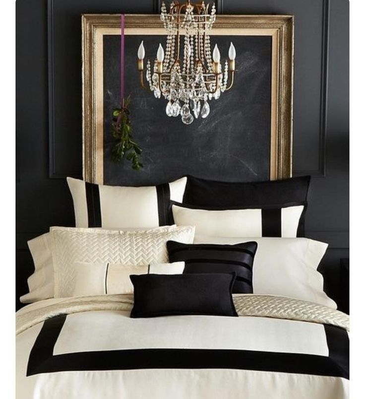 Best Design Styles Modern Glam Dramatic Bedroom With Black 400 x 300